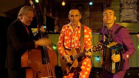 Men in Suits, akoestische muziek