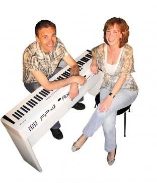 Warwick Avenue Zangeres met pianist